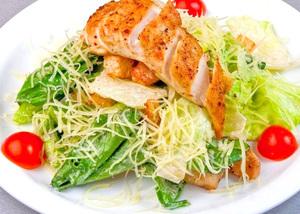 "Заказать салат ""цезарь"" с курицей"